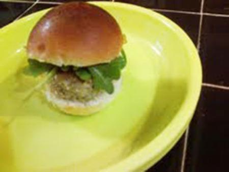salmoncroq_burger1